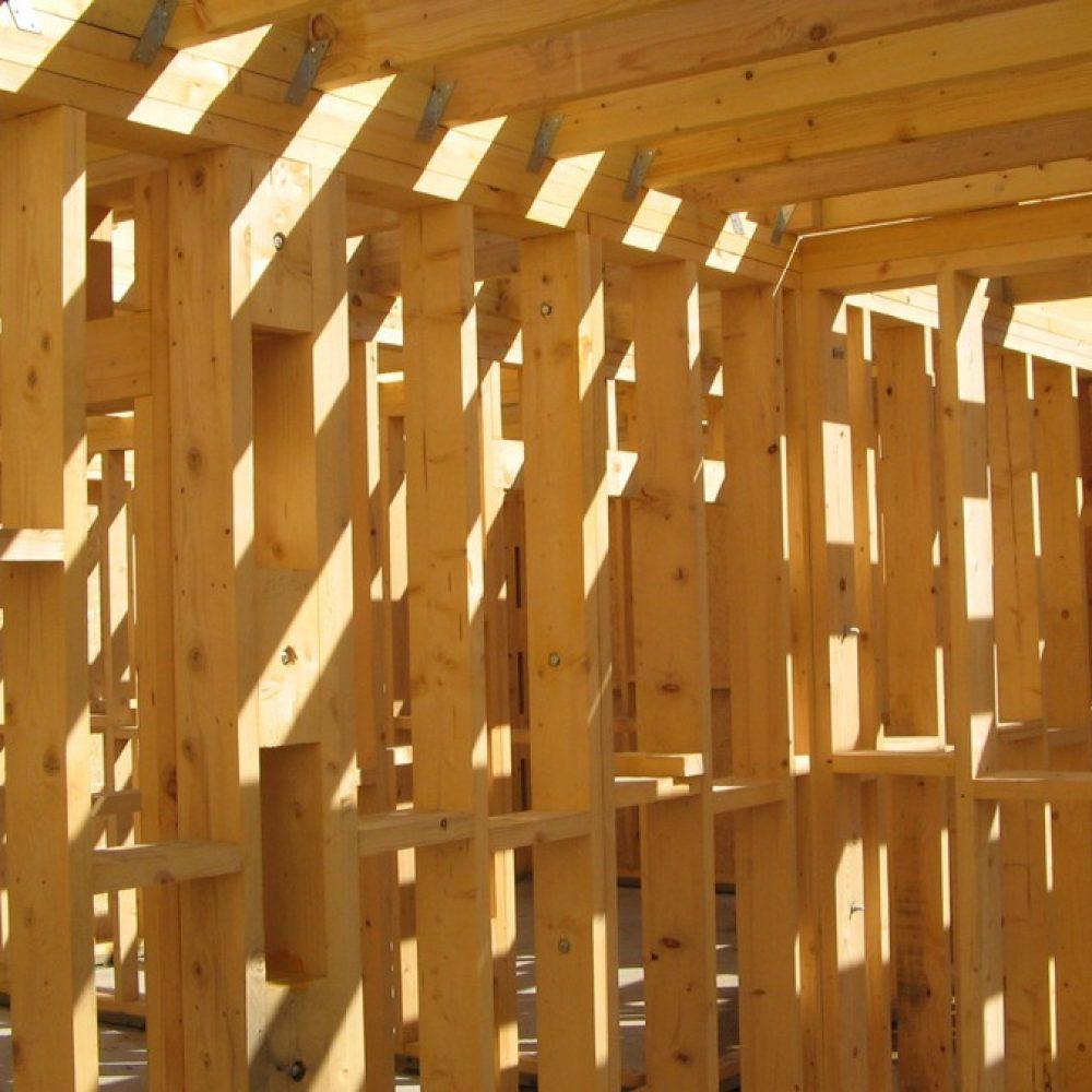 pret casa de lemn
